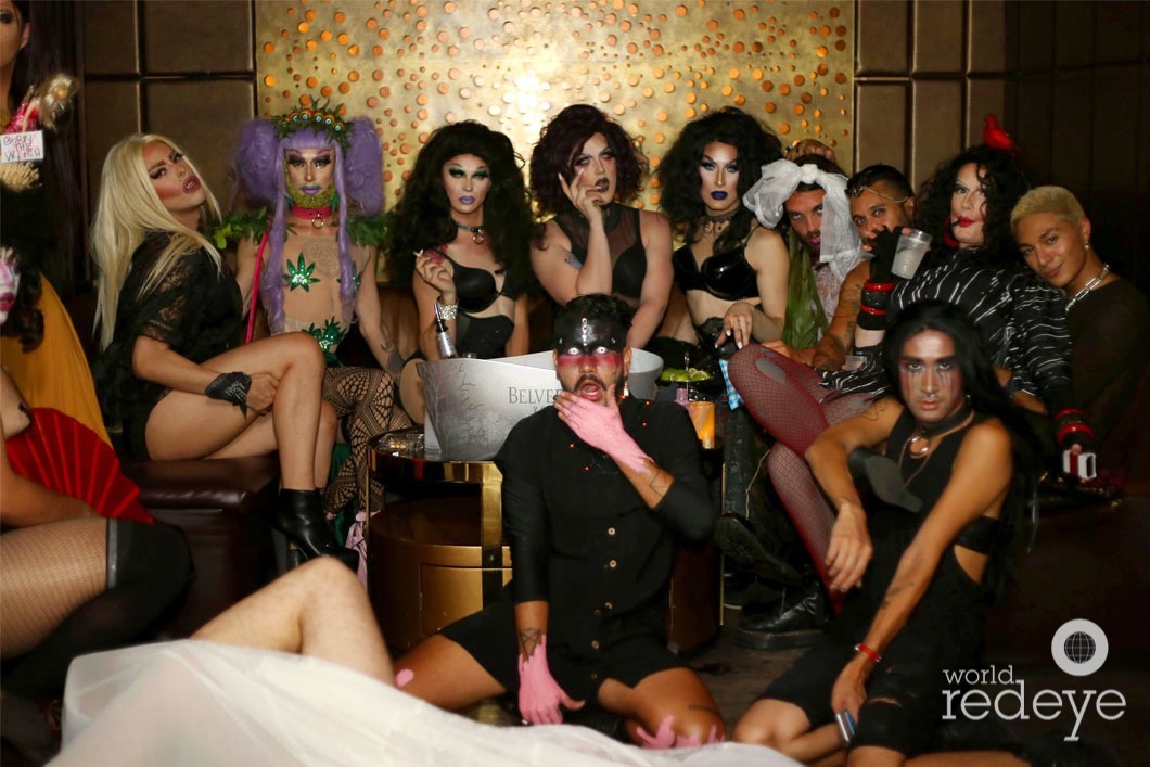 w-Neon Miller, Sleeper, Victoria Elisabeth Black, Poomie Yamsakul, Kunst, Delishez Lii, Julian Camilo, & friends