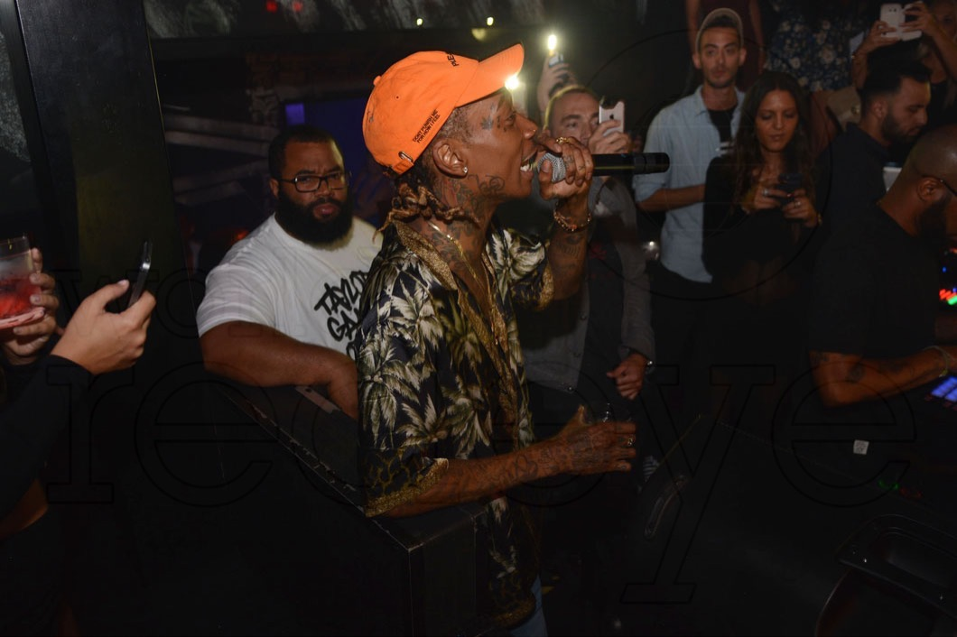 10-Wiz Khalifa Performing8_new