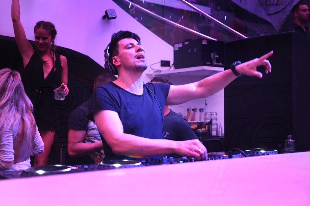 10-Thomas Gold Djing21_new
