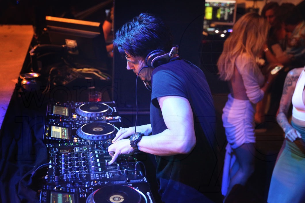 46-Thomas Gold Djing7_new