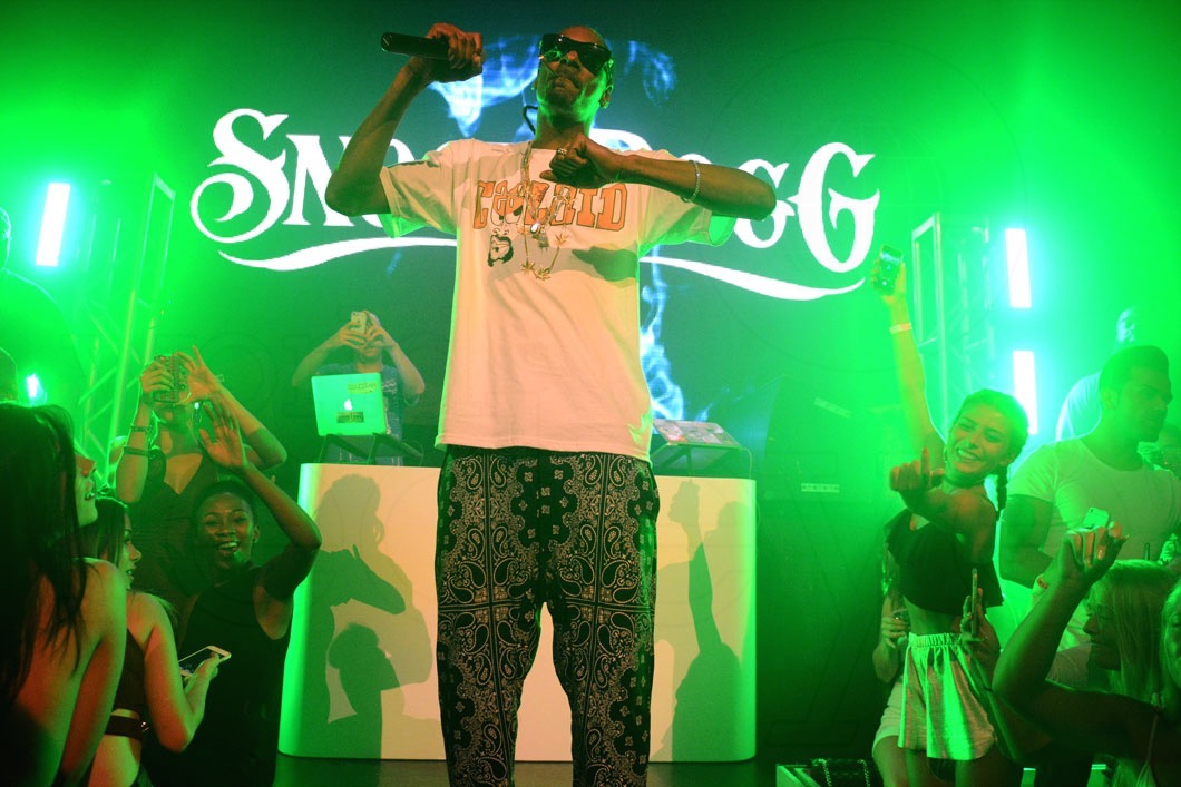 8-Snoop Dogg Performing17