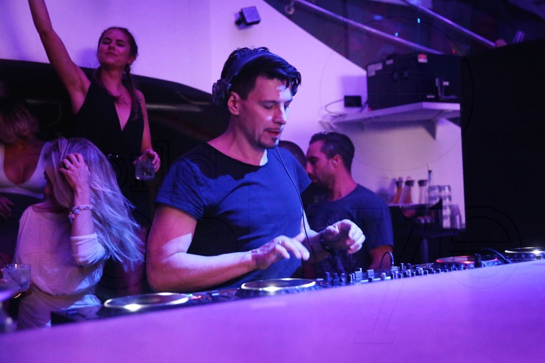 9-Thomas Gold Djing20_new