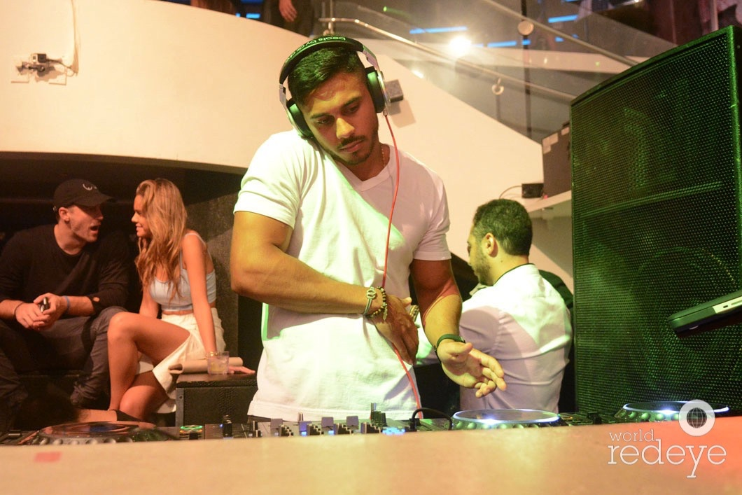 24-DJ Youssef Spinning5