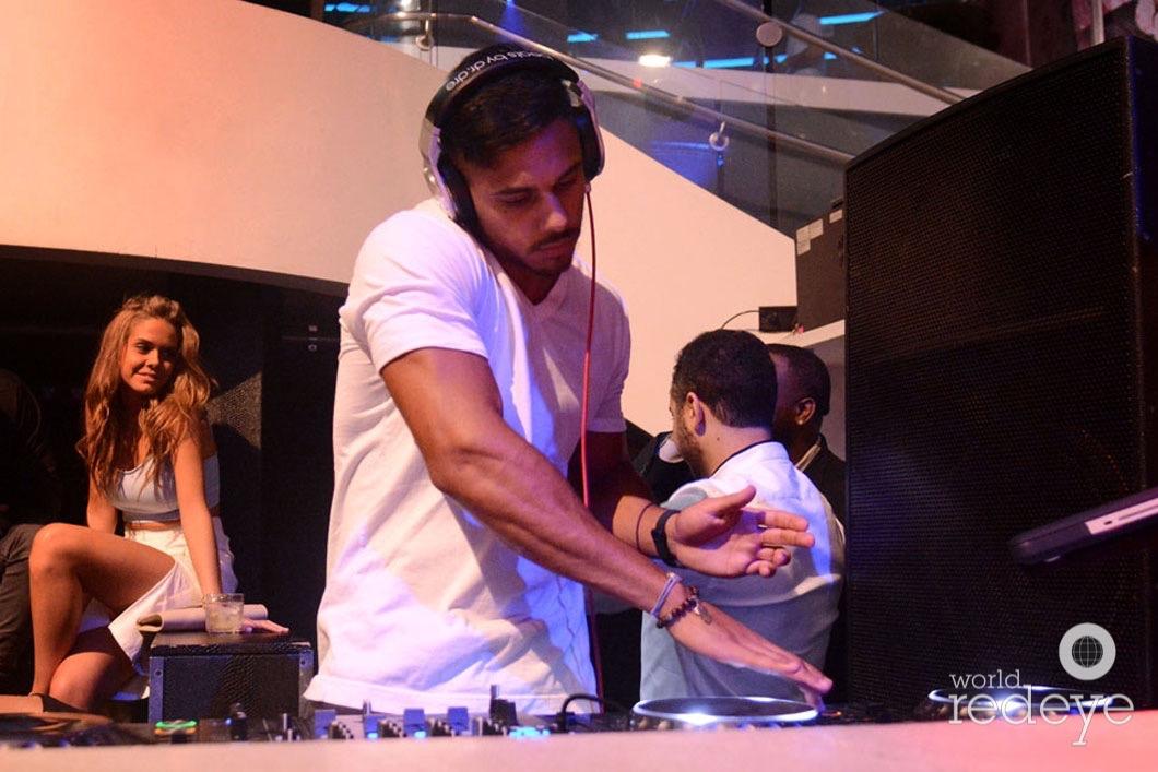 26-DJ Youssef Spinning6