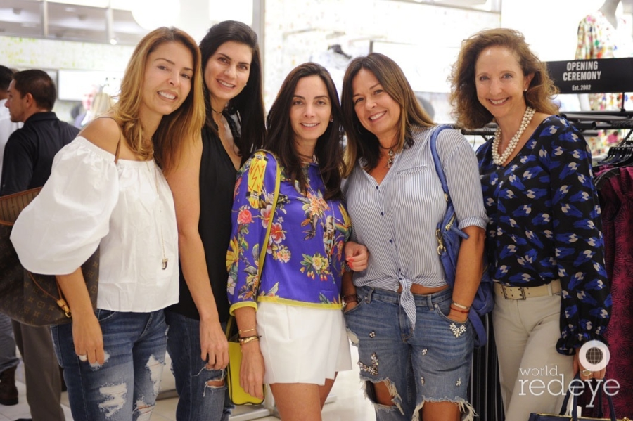 Georgina Kaswalder, Oti Chacon, Ariana Salvatierra, Aileen Hoffmann, & Elizabeth Pines