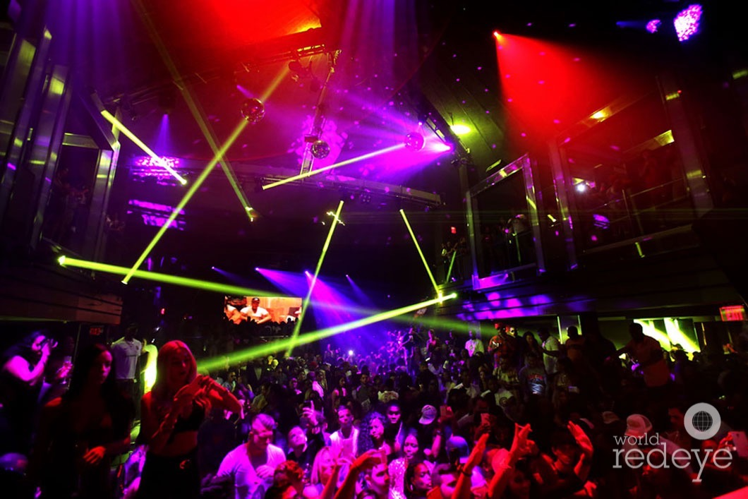 2-atmosphere-at-liv-at-fontainebleau40