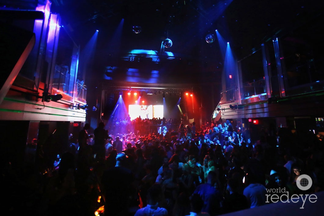 22-3-atmosphere-at-liv-at-fontainebleau15
