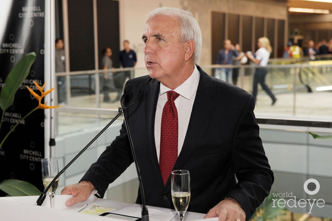 7-mayor-carlos-gimenez-speaking4