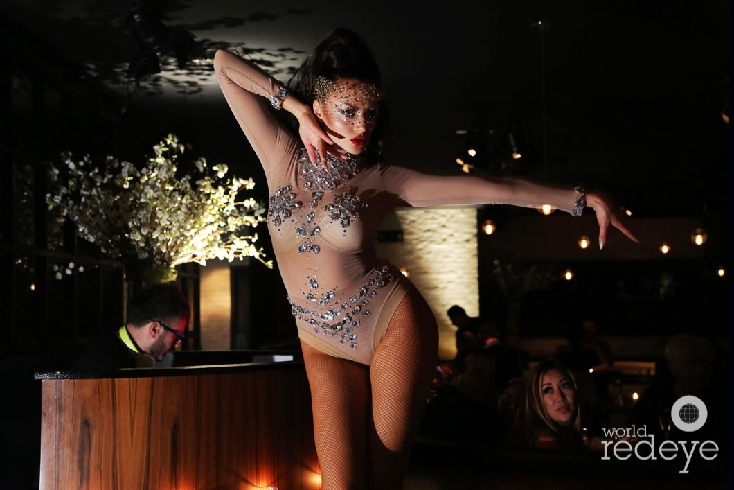 25-dancers-at-stk-at-1-hotels25_new
