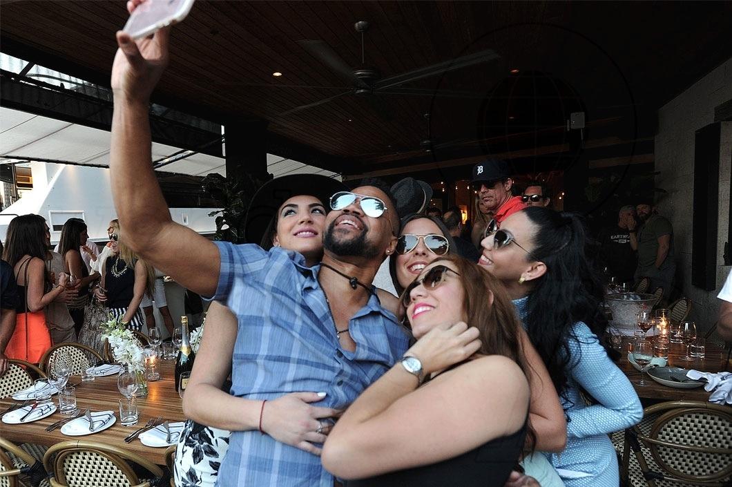 Yensy Morales, Cuba Gooding Jr, Mari Reyes, Sisi Gonzalez, & Dayana De La Torre