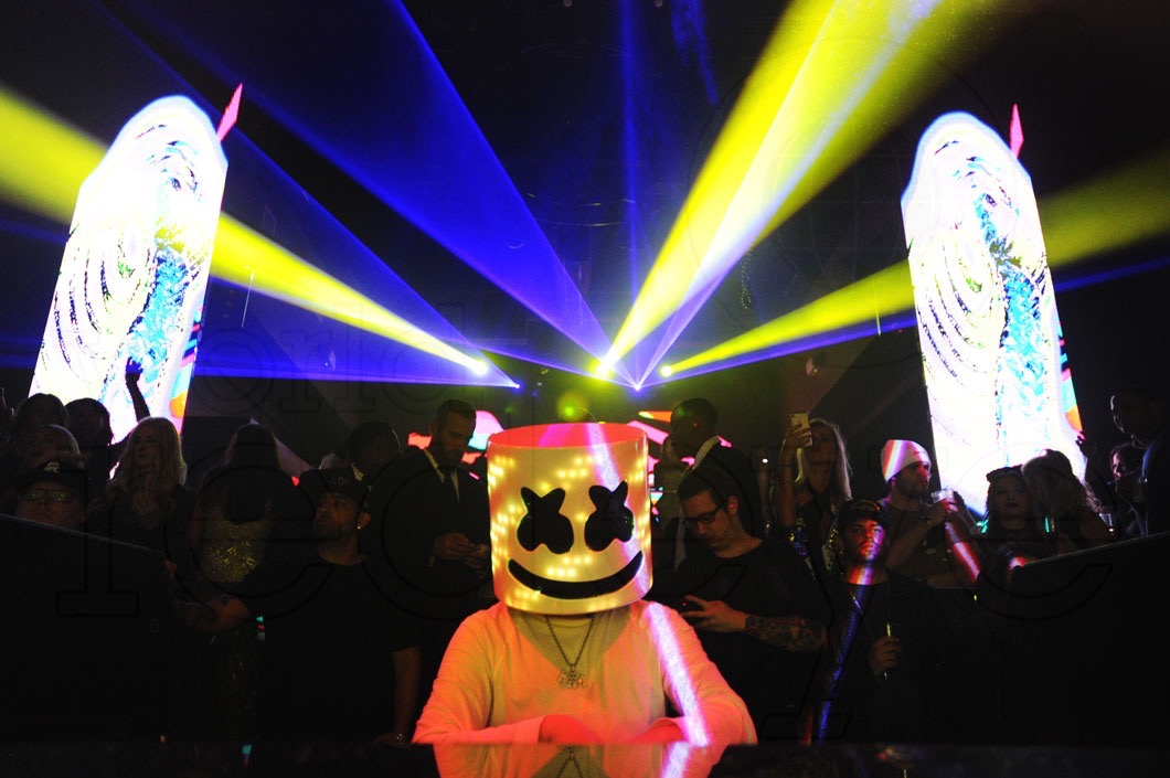 New Year's Eve 2017 with Marshmello at STORY - World Red Eye