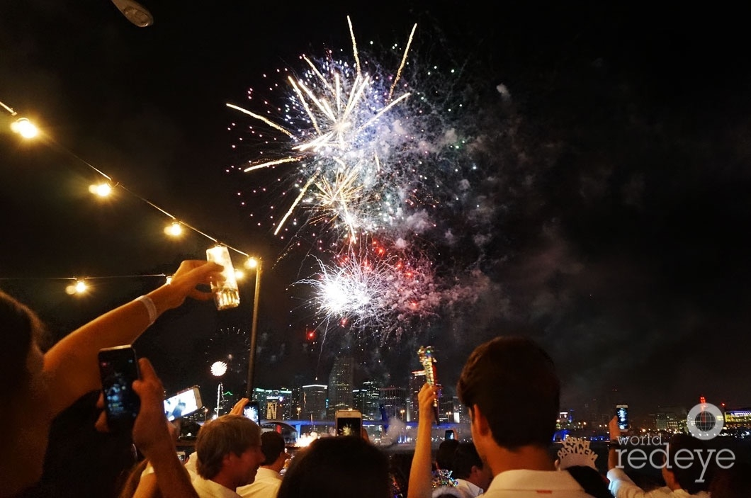 3-dsc00016-midnight-moment-fireworks