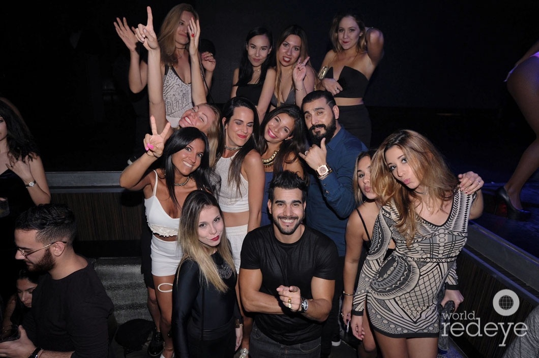 y-jonathan-estallo-friends14