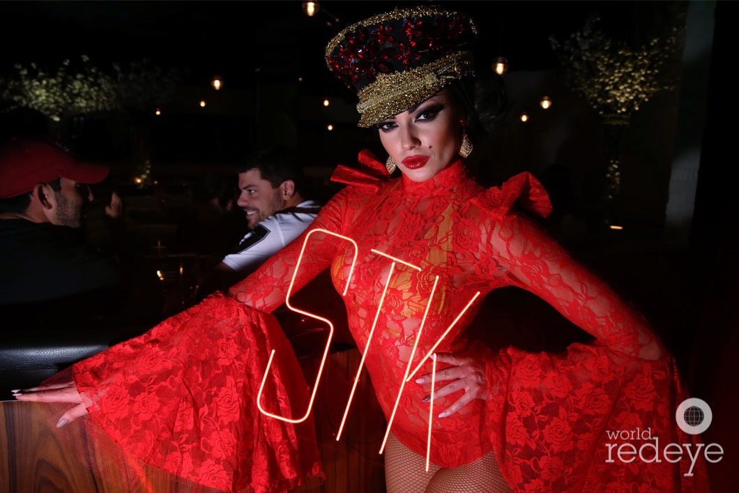 1-Dancers at STK at 1 Hotels31