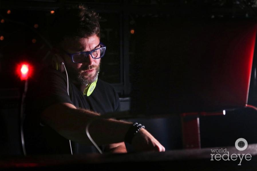 18-DJ Danny Stern