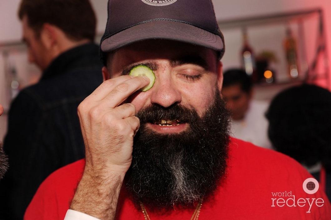22-Ahol Sniffs Glue