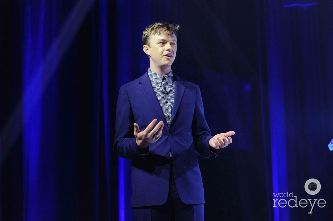 7-Dane DeHaan Speaking11