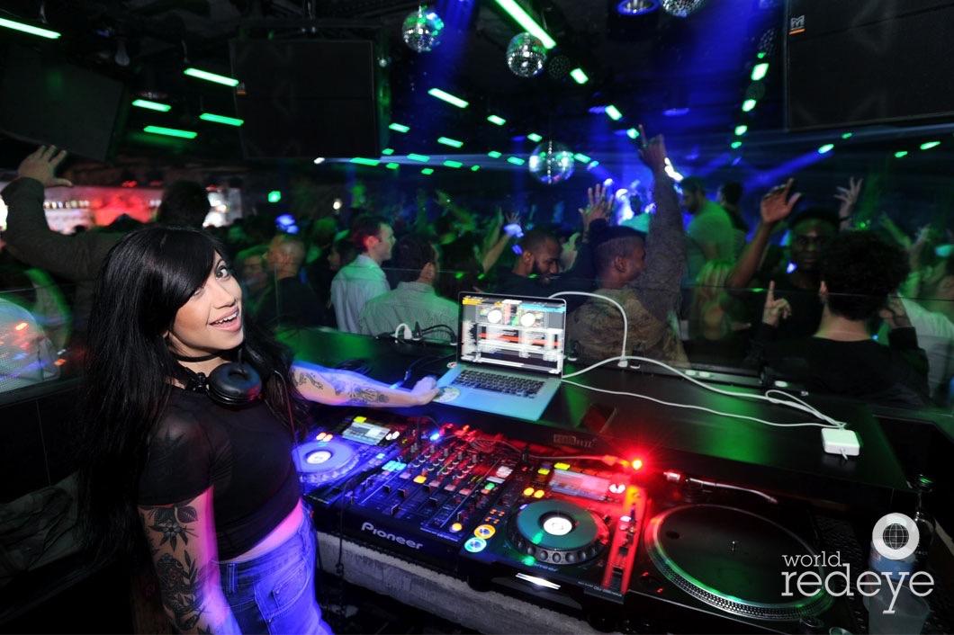 14-DJ Jessica Who21