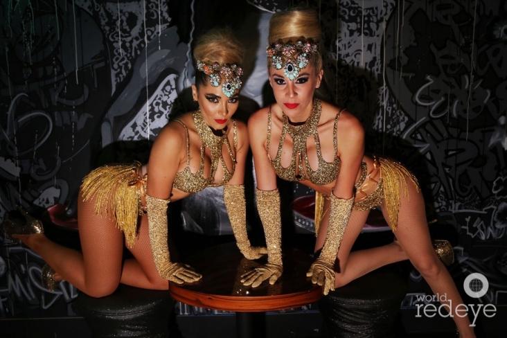 11-Dancers at STK at 1 Hotels17