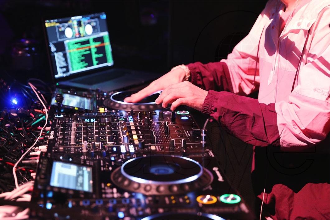 14-DJ Cassidy24