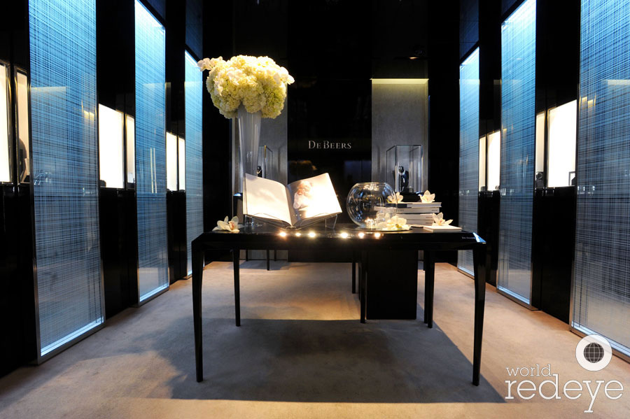De Beers Fashion S Night Out World