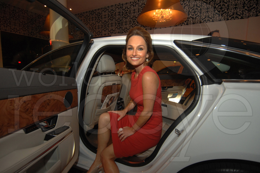 photo of Giada De Laurentiis  - car